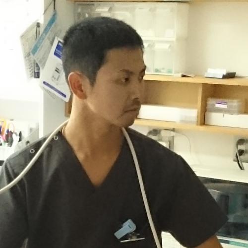 はとりの動物病院 院長 窪田 出